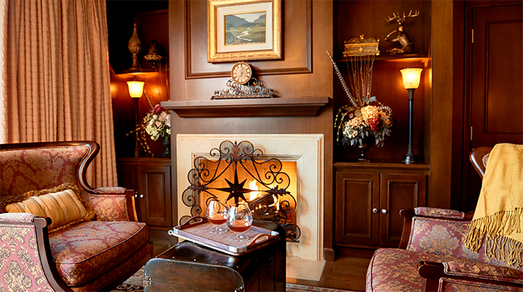 the houstonian hotel club and spa capital suite fireplace12