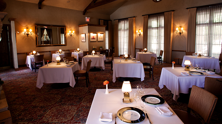 the inn at dos brisas restaurant dining room