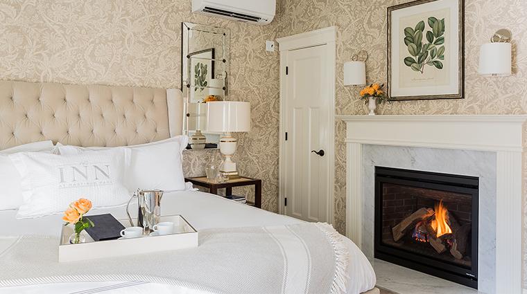 Property InnatHastingsPark Hotel GuestroomSuite DeluxeRoomwithFireplaceIsaacMullikenHouse TheInnatHastingsPark