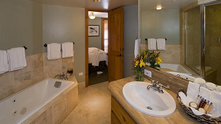 the inn at lost creek two bedroom condo bathroom