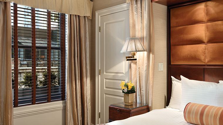 the iroquois new york suite view