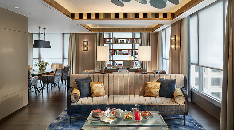the landmark mandarin oriental hong kong apartment suite