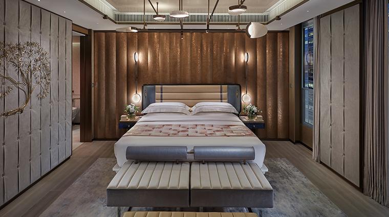 the landmark mandarin oriental hong kong entertainment suite master bedroom