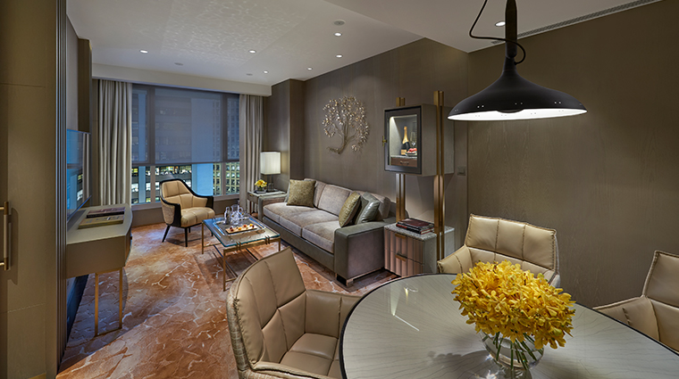 the landmark mandarin oriental hong kong landmark suite living room