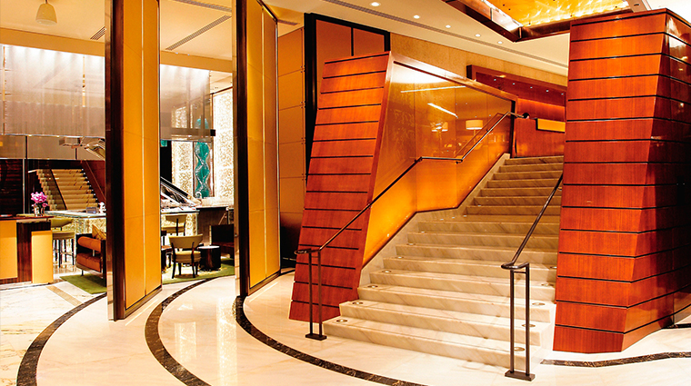 the landmark mandarin oriental hong kong lobby