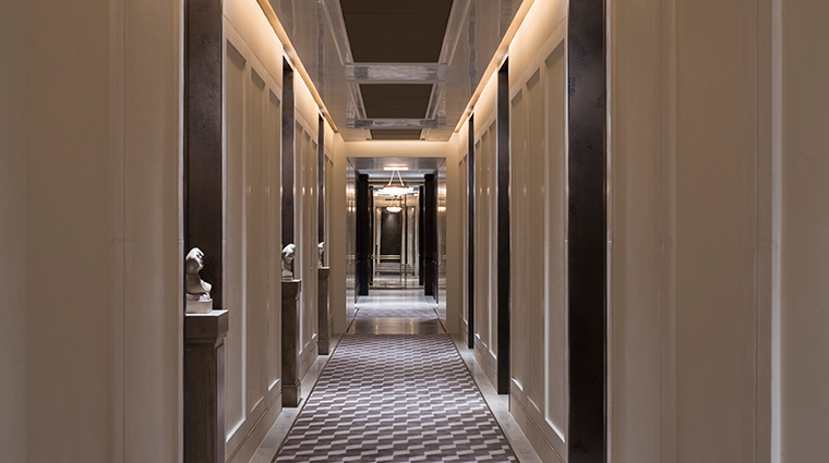 the lanesborough club spa corridor