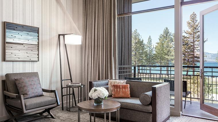 edgewood tahoe premier king lakeview living room