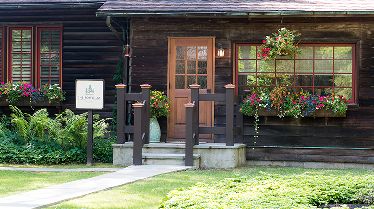 the lodge at glendorn forest spa exterior