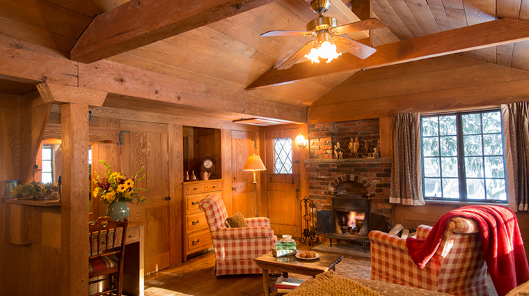 the lodge at glendorn miller cabin master suite