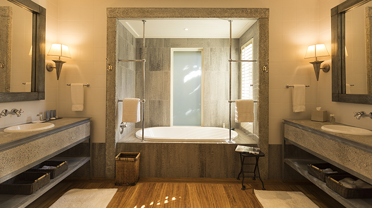 the lodge at kauri cliffs deluxe family suite master bathroom