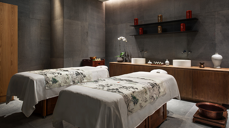 the middle house spa treatment room