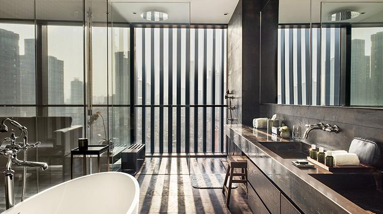 the middle house studio bathroom