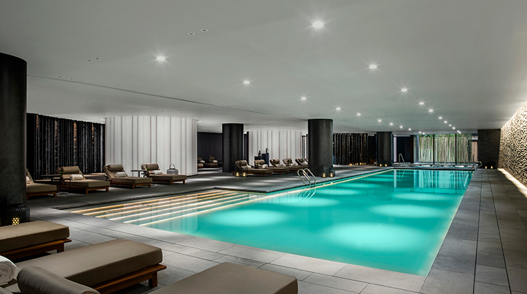 the middle house swimming pool