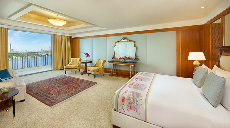 the nile ritz carlton cairo royal suite bedroom