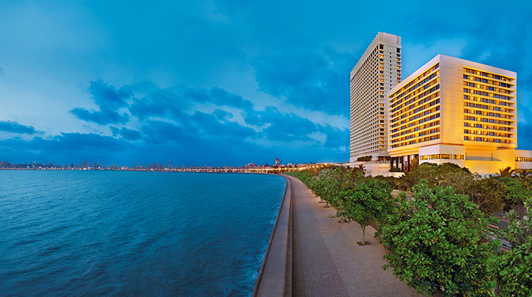 the oberoi mumbai exterior