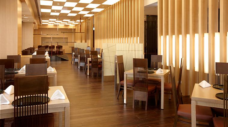 the okura prestige taipei restaurant tables