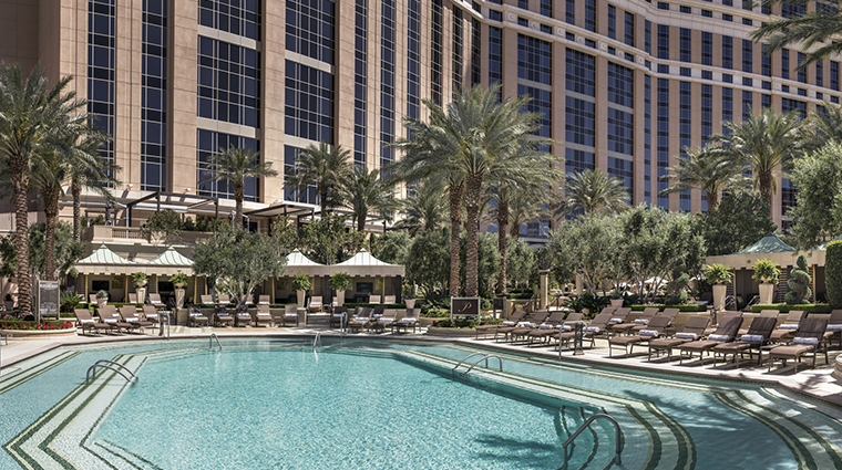 the palazzo resort hotel casino adult pool