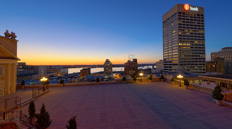 the peabody memphis rooftop