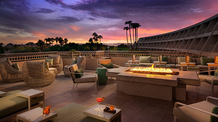 the phoenician a luxury collection resort thirsty camel patio