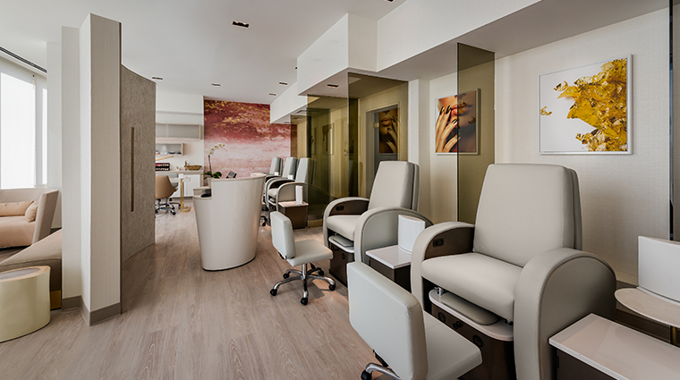 the phoenician spa nail lounge