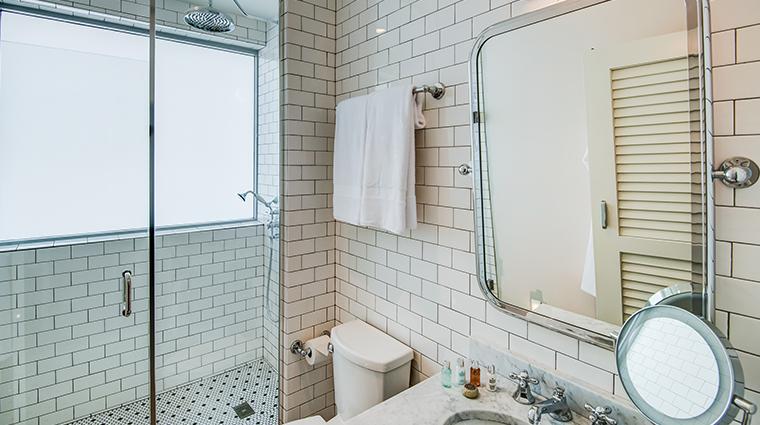 the plymouth miami beach bathroom