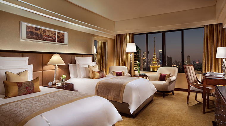 the portman ritz carlton shanghai club skyline
