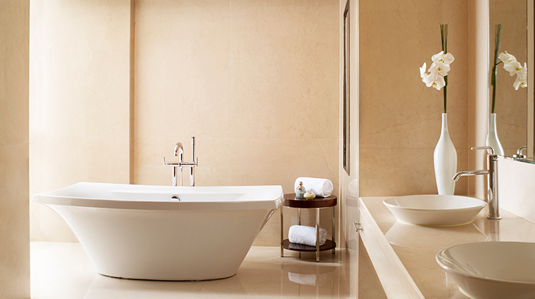 the portman ritz carlton shanghai kajima suite bathroom