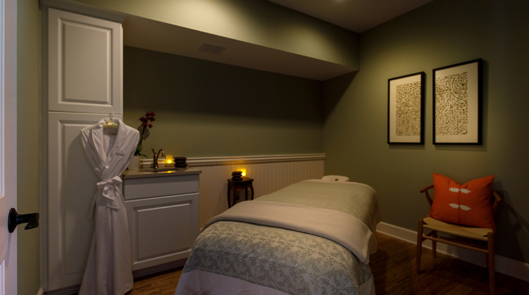 the retreat at blantyre treatment room