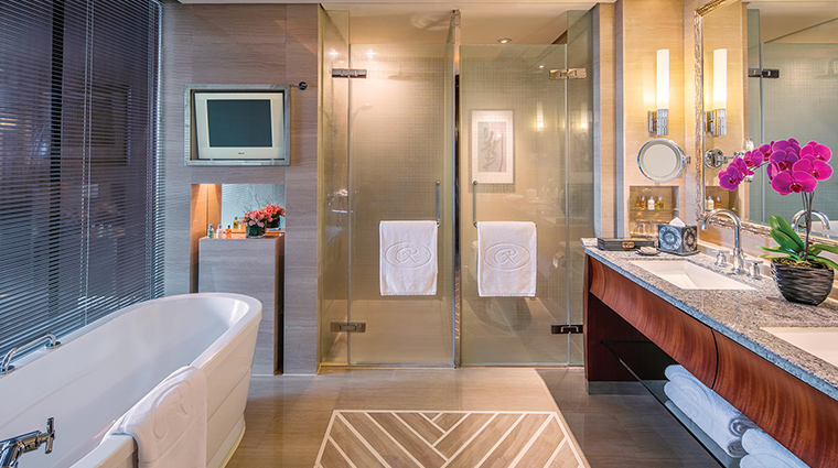 The Regent Beijing executive suite bathroom