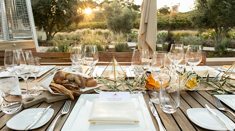 justin outdoor event table setting