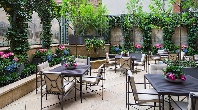 the rittenhouse hotel courtyard