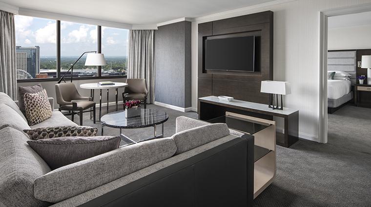 the ritz carlton atlanta executive suite living room