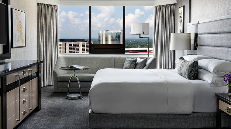 the ritz carlton atlanta presidential suite bed