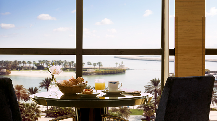 the ritz carlton bahrain club lounge
