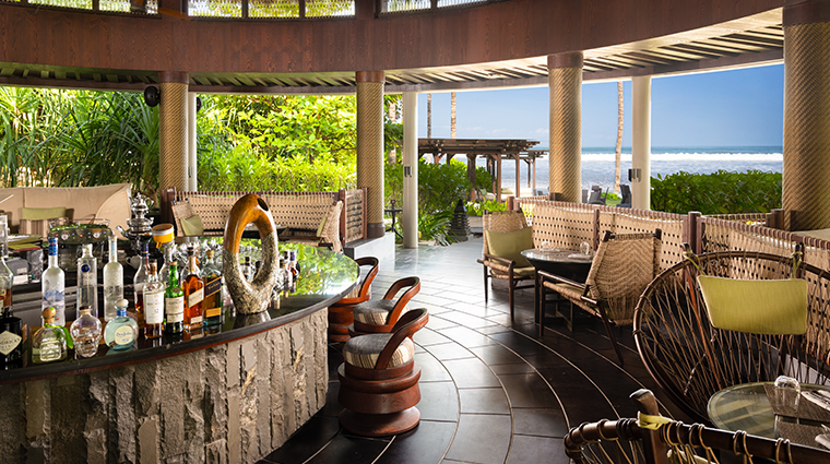 the ritz carlton bali Breezes Tapas lounge