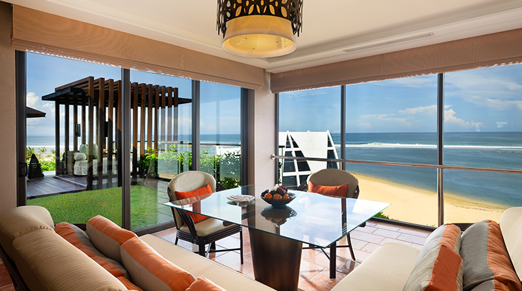 the ritz carlton bali sky villa dining room