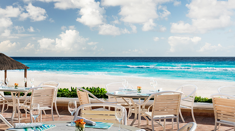the ritz carlton cancun Caribe bar and grill