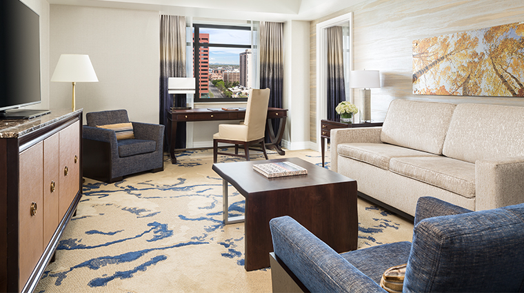 the ritz carlton denver one bedroom suite parlor