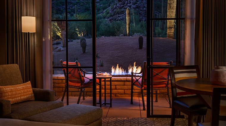 the ritz carlton dove mountain fireplace
