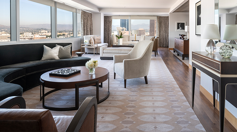 the ritz carlton los angeles presidential suite living room