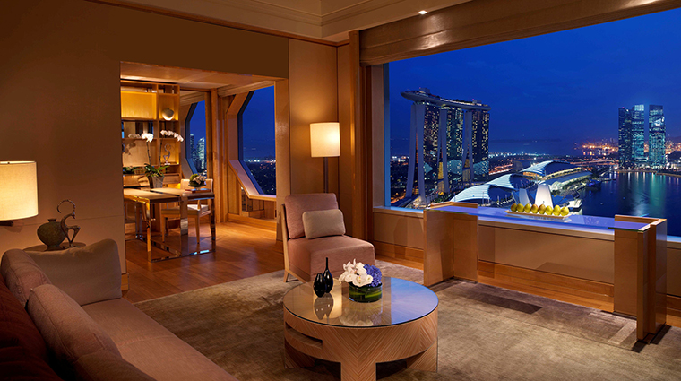 Property TheRitzCarltonMilleniaSingapore Hotel GuestroomSuite OneBedroomSuite LivingRoom CreditTheRitzCarltonHotelCompanyLLC