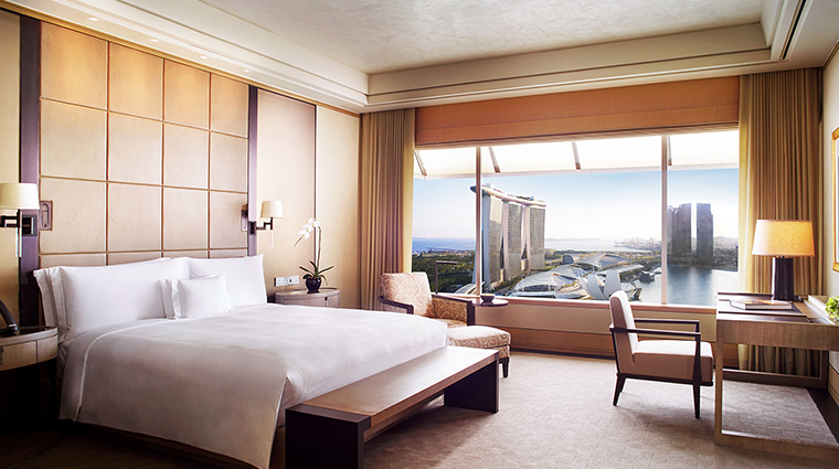 the ritz carlton millenia singapore master bedroom