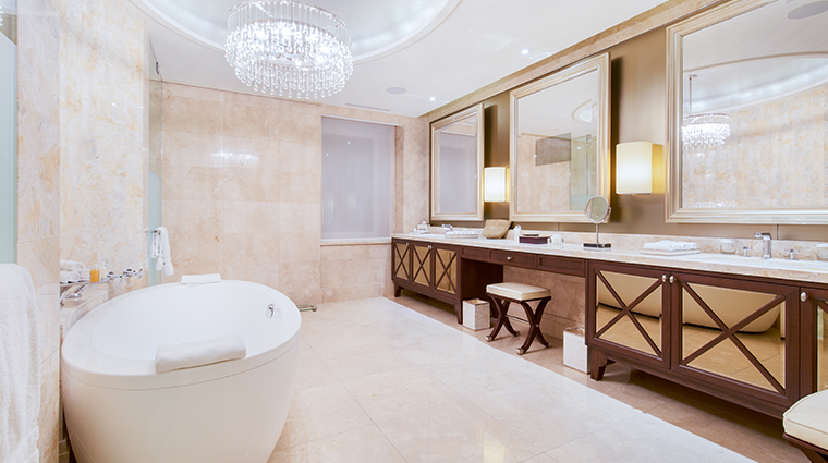 the ritz carlton montreal royal suite bathroom