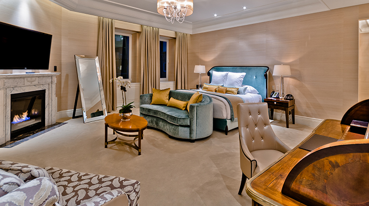 the ritz carlton montreal royal suite bedroom