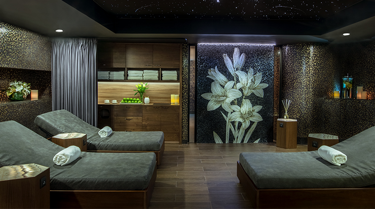 the ritz carlton moscow spa relaxation room