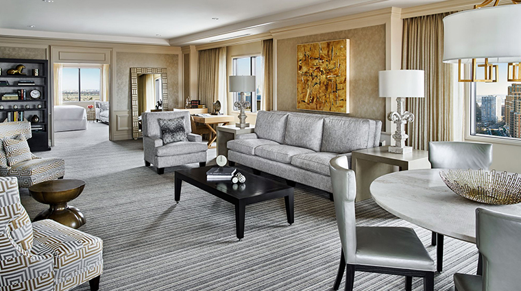the ritz carlton pentagon city living room