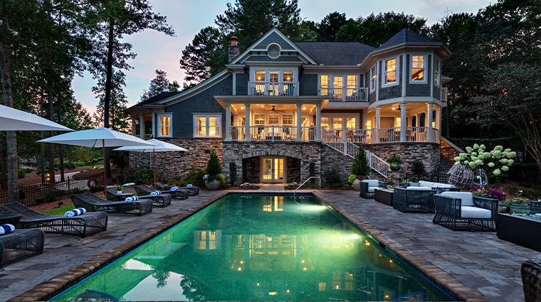 the ritz carlton reynolds lake oconee lakehouse backyard pool