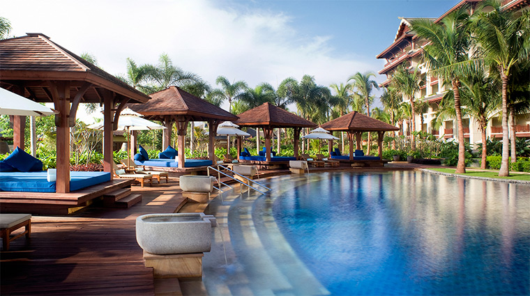the ritz carlton sanya lagoon pool