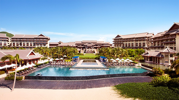 the ritz carlton sanya pool daytime