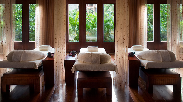 the ritz carlton sanya spa relaxation room